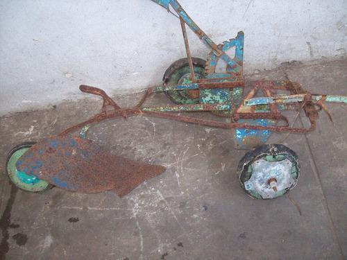 cachila a pedal --arado infantil