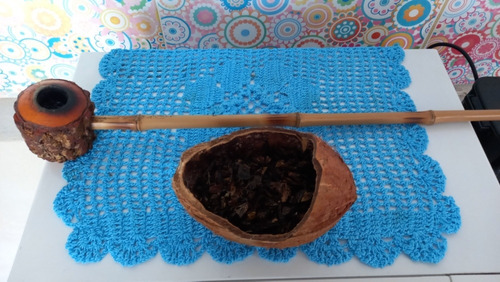 cachimbo de angico e cabo de bambu.