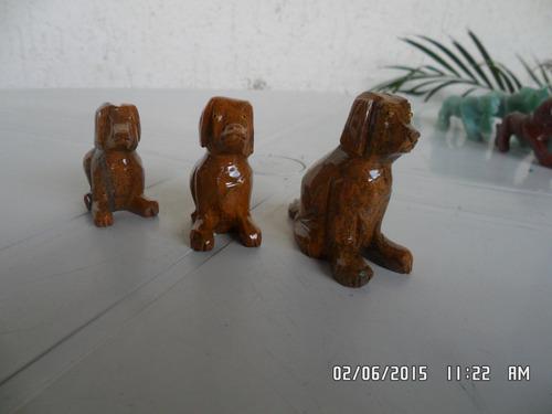 cachorro feito de pedra família