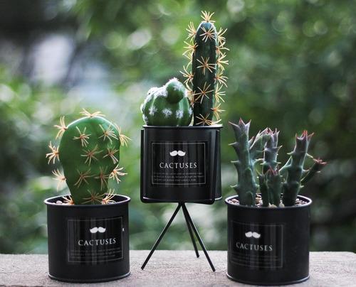 cactus con maceta de metal flor artificial