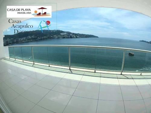 cad nautilus 601 terraza grande con vista a la bahía