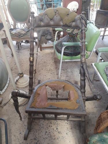 cadeira de balanço antiga.