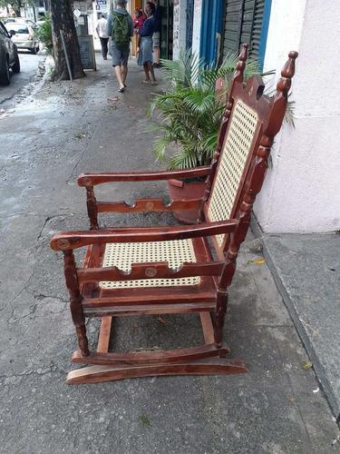 cadeira de balanço austríaca e de mola tb