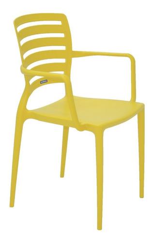 cadeira tramontina sofia amarela com braços encosto vazado