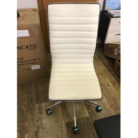 b5c23cb84 Cadeira De Escritório Marilyn Plus Branca - Móveis para Escritório no  Mercado Livre Brasil