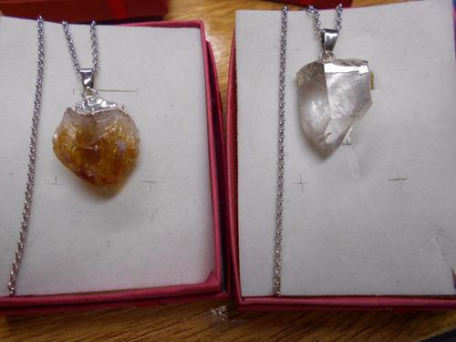 cadena acero y piedra luna, cuarzo rosa, turmalina , citrino