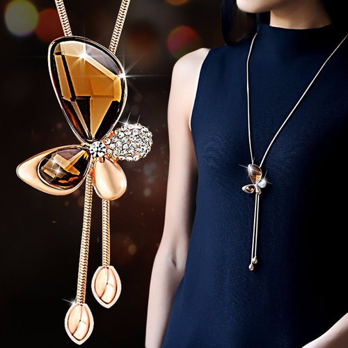 cadena collar elegante mariposa, corazón dorado