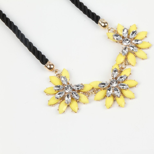 cadena collar flor de crystal amarillas linda