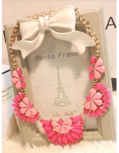 cadena collar gruesita con  bonitos acabados color rosa