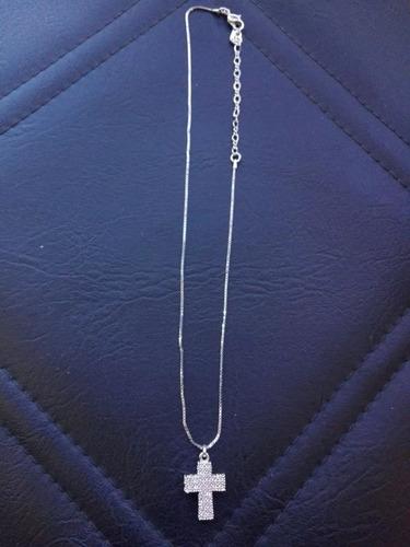 cadena de plata con crucifijo de cristales de swaroski..