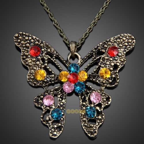 cadena   vintaje con dije de mariposa aperlao de colores