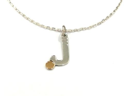 cadena y colgante palo de hockey plata c/ aplique de oro 18