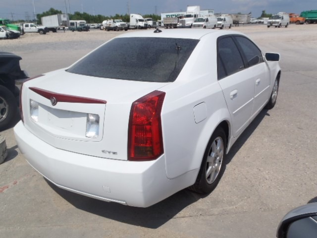 Cadillac cts 2004 chocado se vende completo o por partes for Se vende parking completo