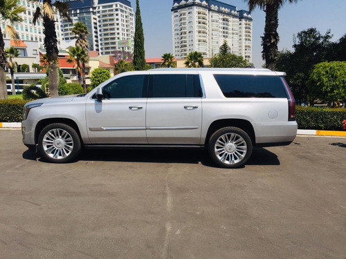 cadillac escalade 6.2 plinum 4x4 at 420hp 2016