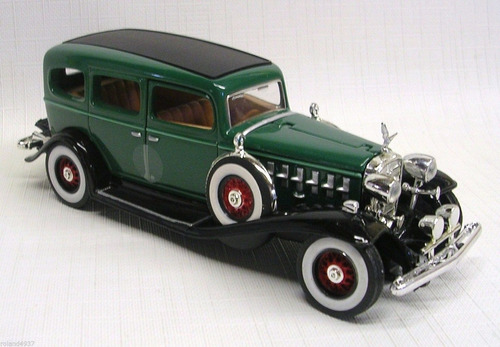 cadillac fleetwood sedan 1932 verde 1:32  signature models