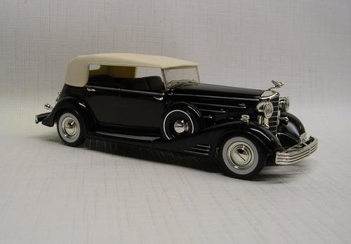 cadillac flletwood 1933. signature models 1/31.nuevo
