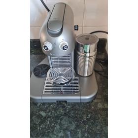 Cafeteira Nespresso Gran Maestria Titanium Super Conservada