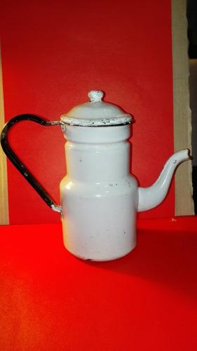 cafetera antigua enlosada
