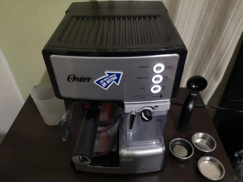 cafetera automática para espresso, latte y cappuccino oster