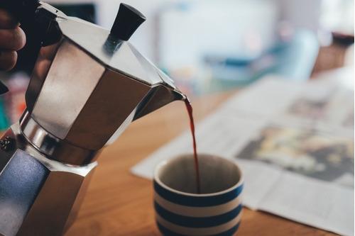 cafetera italiana aluminio holstein roja 6 tazas