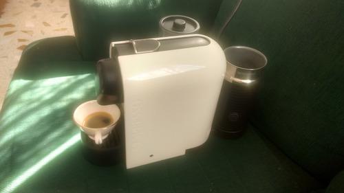 Cafetera Nespresso Umilk, Pure White, Usada, Envio Gratis