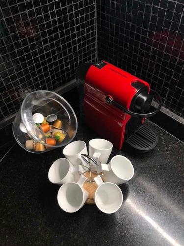 cafetera nesspreso completa con tazas