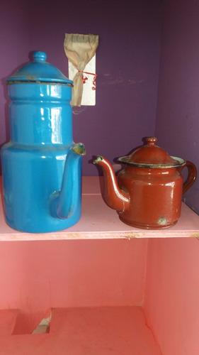 cafetera y tetera antigua