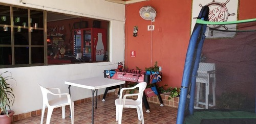 cafeteria en venta incluye la propiedad en progreso