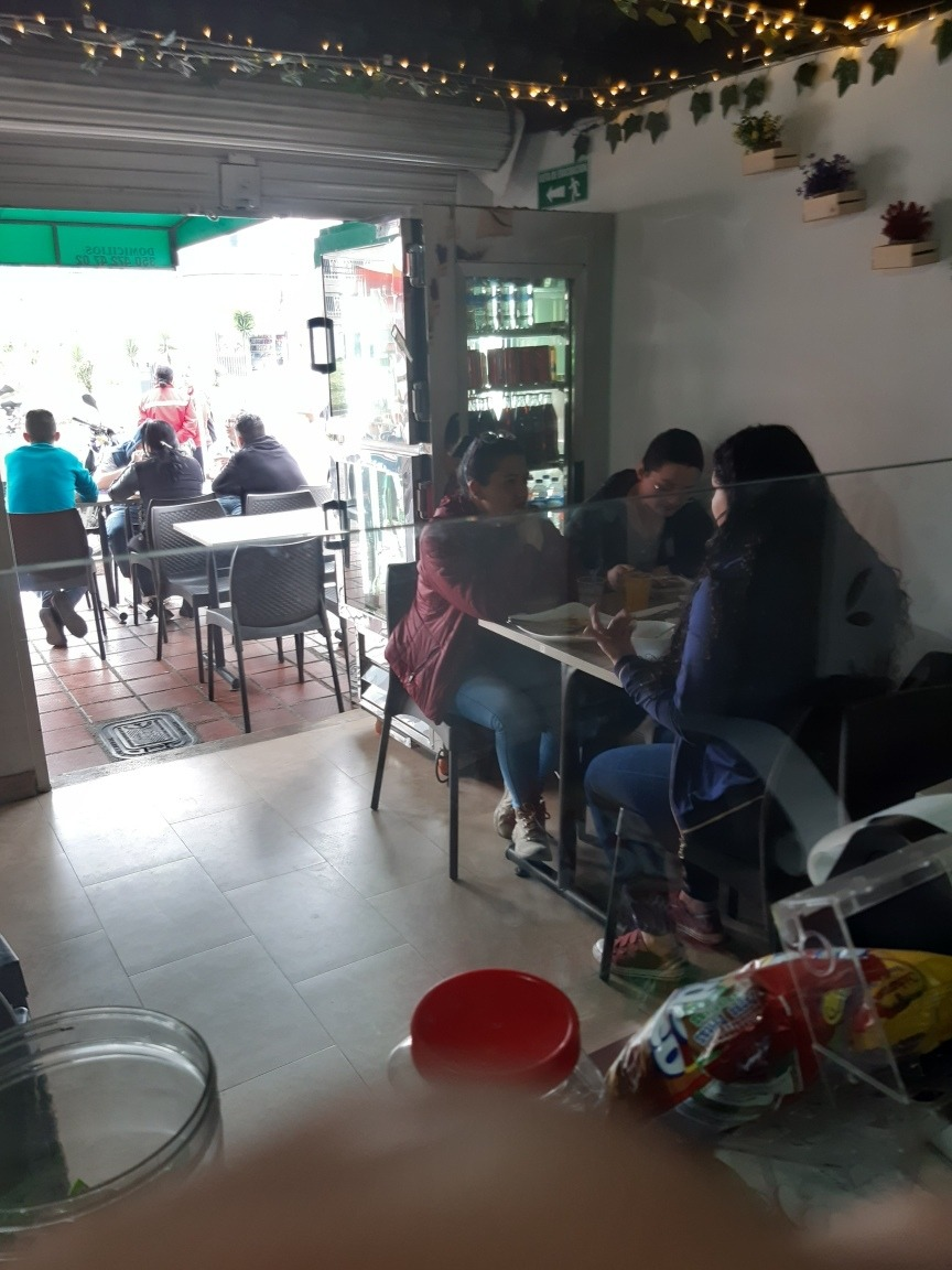 cafeteria,restaurante y bar