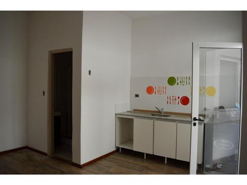 cafferata al 300 1 dormitorio interno con patio