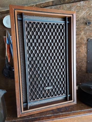 caixa acústica akai sw-155  funcionando