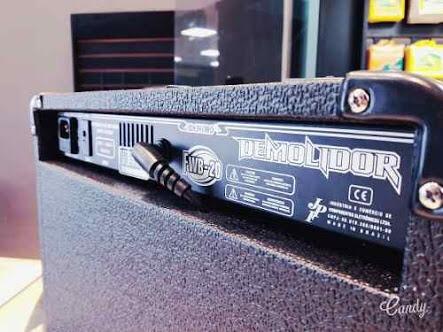 caixa amplificada meteoro fwb-20 demolidor