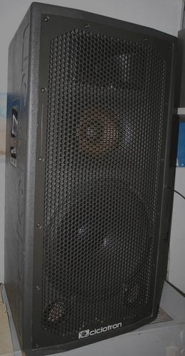 caixa ativa ciclotron titanium 700a