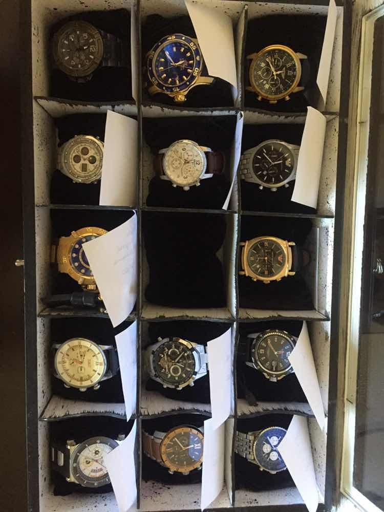 59cfd38fe74 caixa colecionador relógios(inclui relógios)venda avulsa tbm. Carregando  zoom.