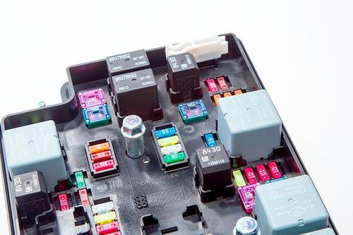 caixa de fusíveis  cobalt original gm 95092988