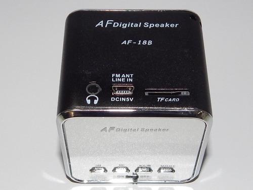 caixa de som portatil, mini ,entrada usb e sd com radio fm