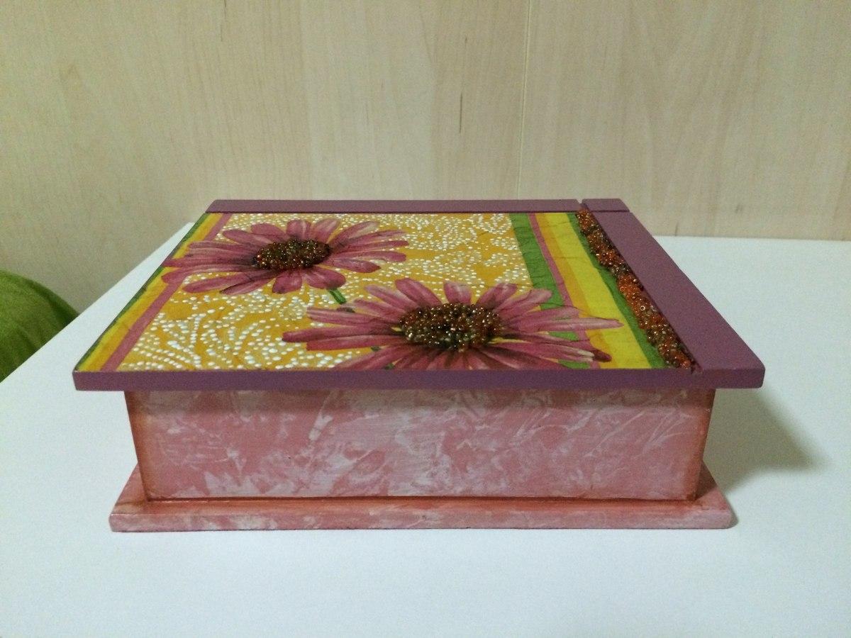 Caixa em mdf com pintura e decoupage r 30 00 em mercado for Pintura para decoupage