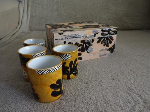 caixa kit copos porcelana pintada a mão.