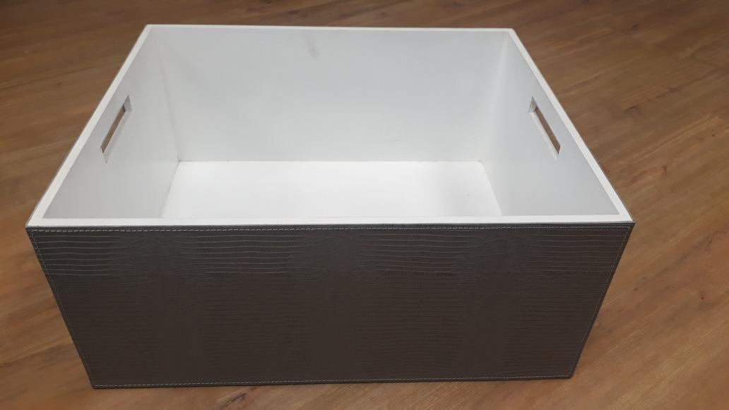 48d9051551b caixa madeira revestida em couro. Carregando zoom.