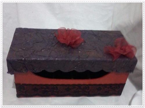 caixa para esmaltes ou batons