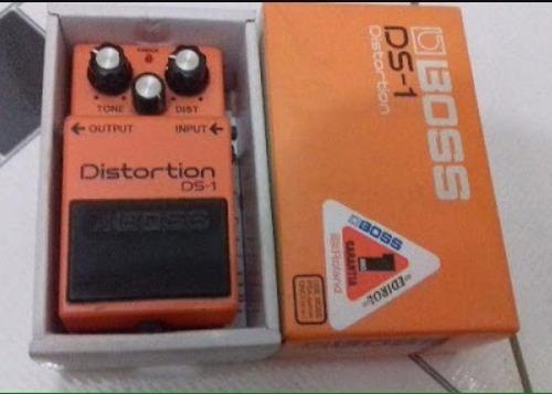 caixa pedal boss ds1 (sem o pedal) com tds as tags