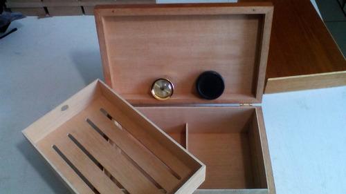 caixa umidor p/62charutoscoronas 31x20x10cm tampa de madeira