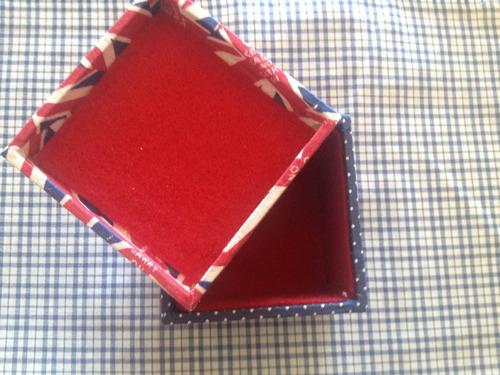 caixas artesanais decoradas revestidas em tecido mdf