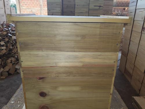 caixas de abelha (fabricado em araucária).