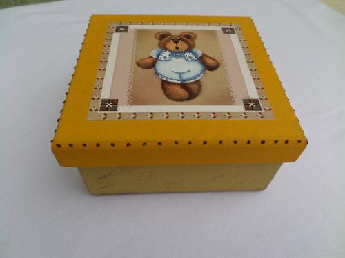 caixinha de mdf pintada 12,5 x12,5 x6,5 artesanato lembranca