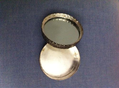 caixinha porta joias pintada a mao. diâmetro 6cm altura 3cm