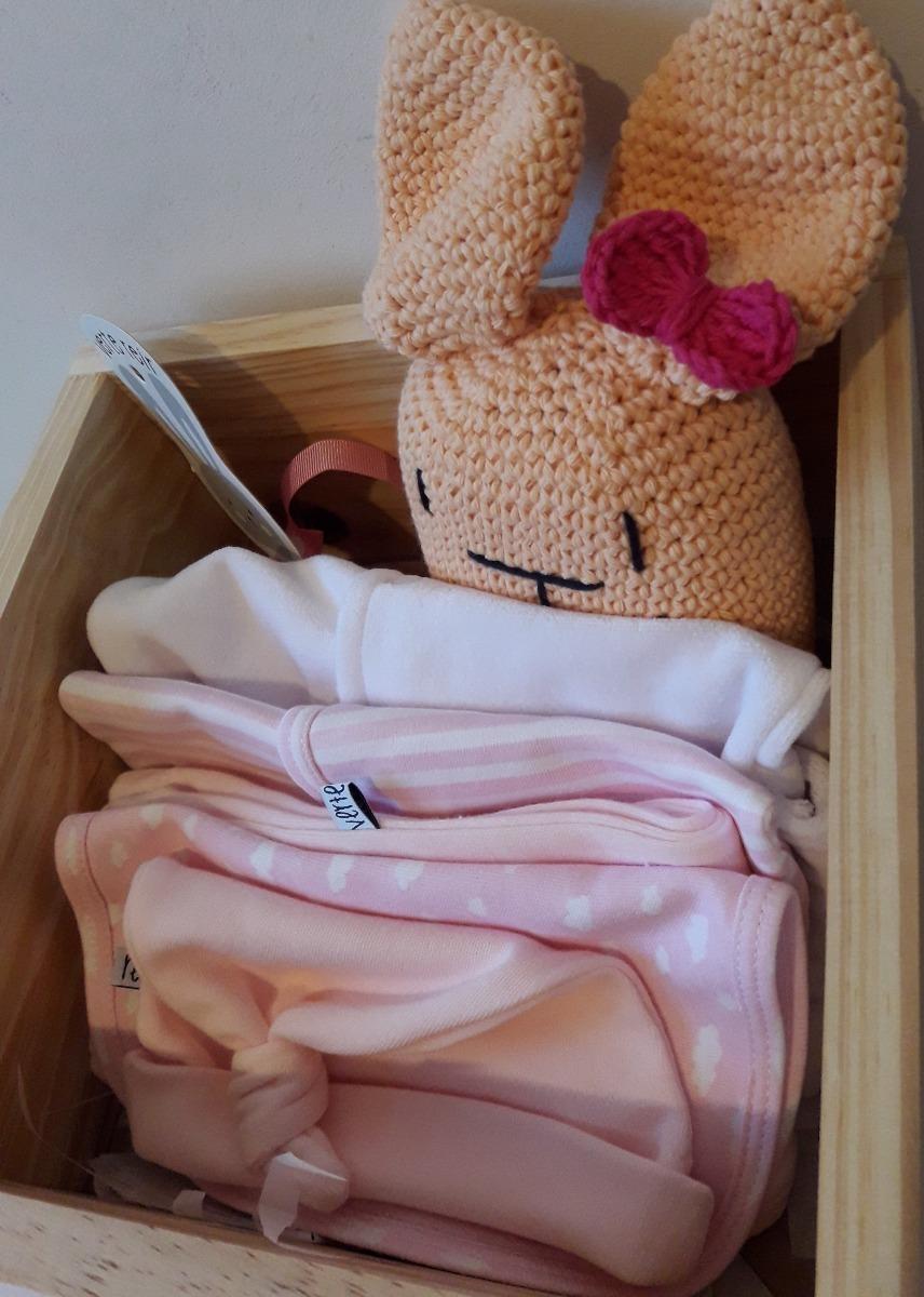 Caja Ajuar Bienvenida Bebe 7 Piezas Nacimiento Babyshower -   1.600 ... e21f39460e3