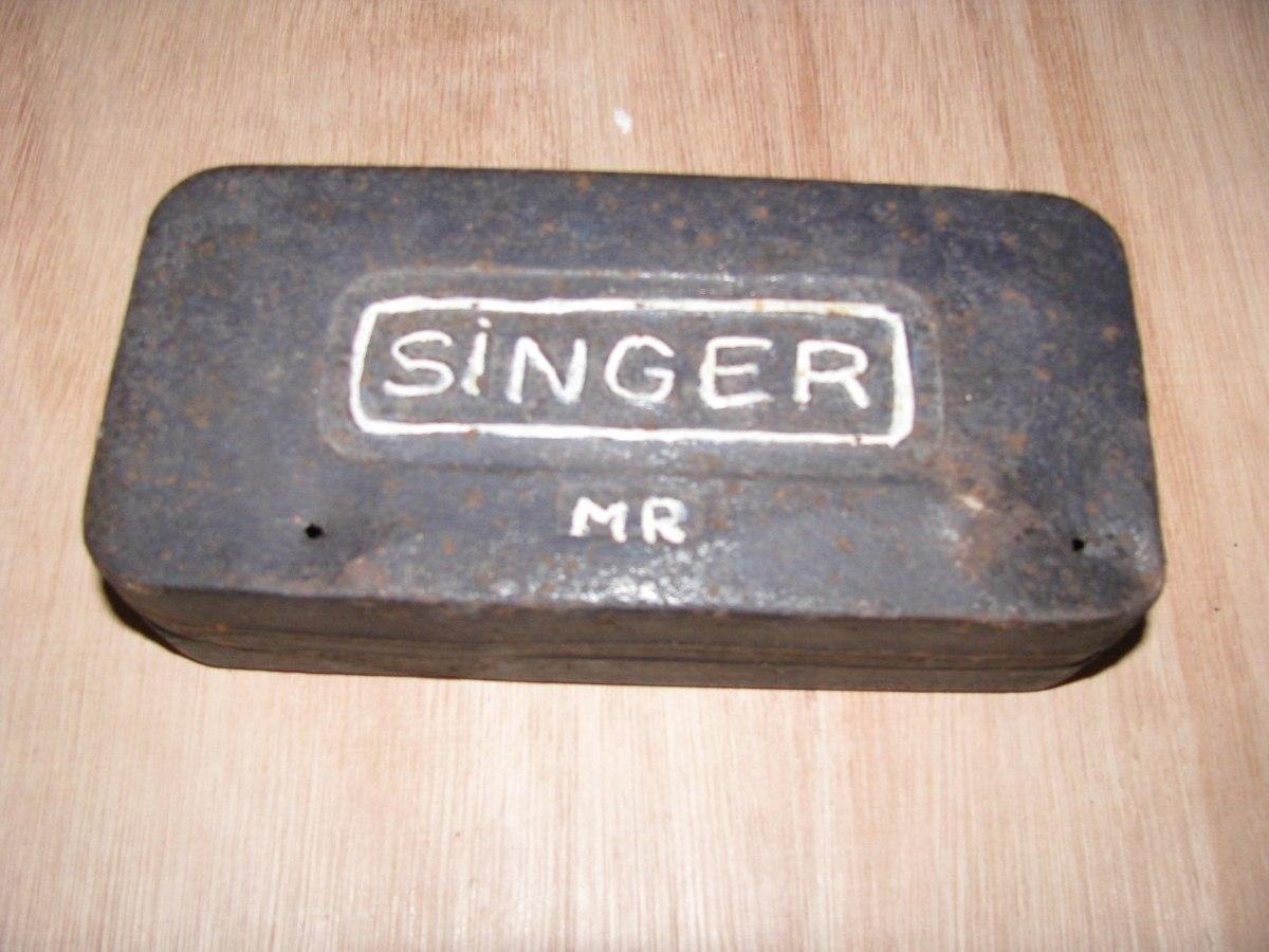 Caja Antigua Para Accesorios De Maquina De Coser Singer