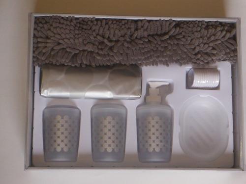 caja con 6 set cortina y tapete chenille y accesorios