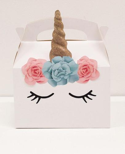 caja con articulos de decoración fiesta uniconio